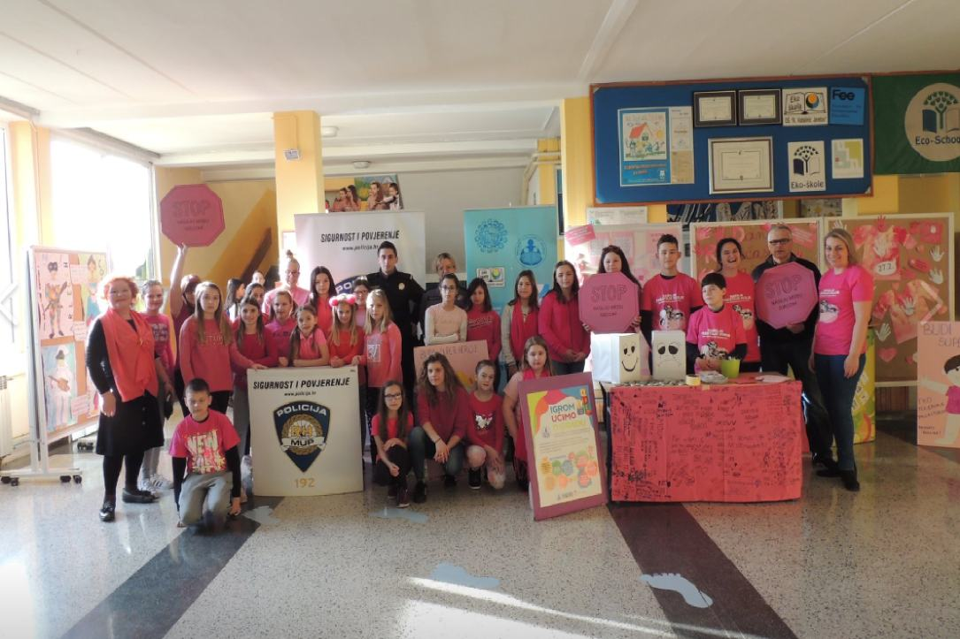 dan ružičastih majci