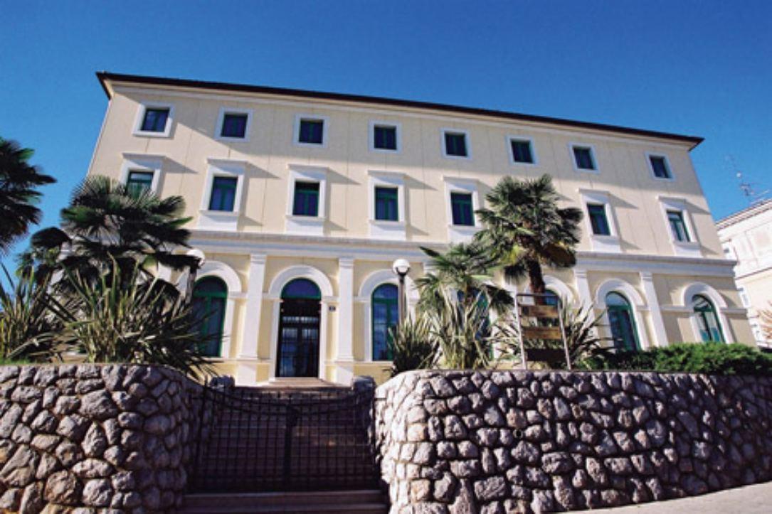 knjižnica opatija