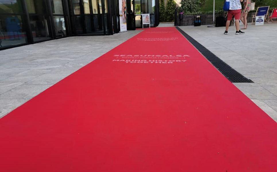 crveni tepih