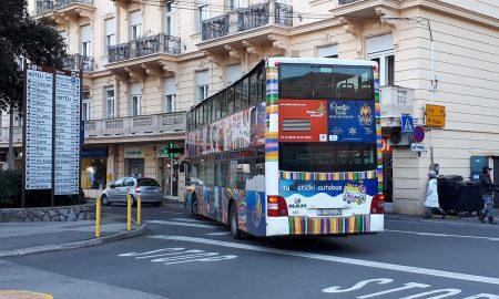 turistički autobus