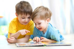 37145_children_reading_42645589_xl