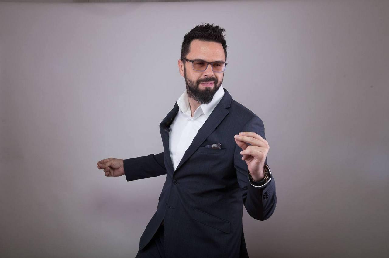 Petar Grašo nastupa u Angiolini