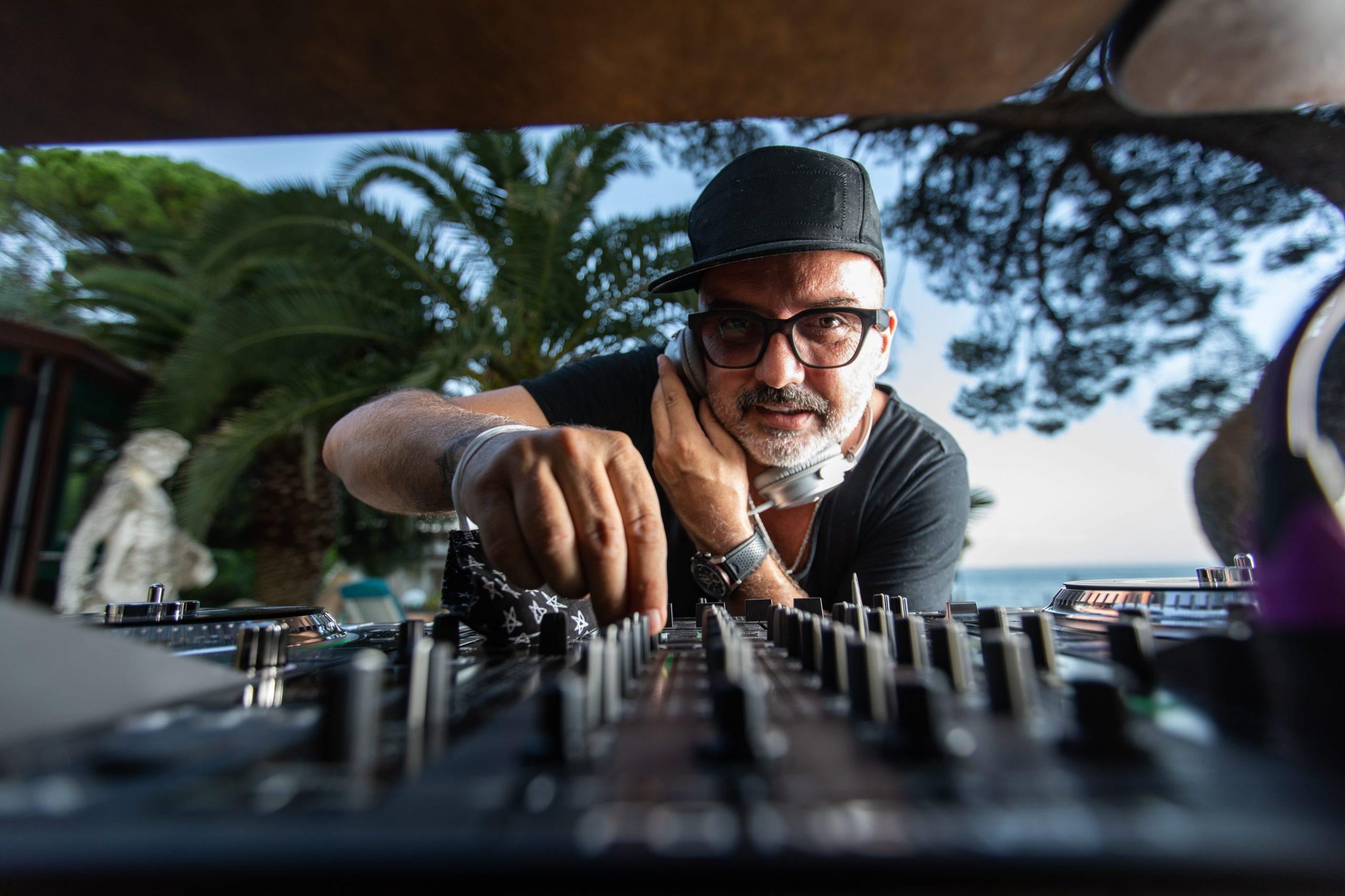 Opatija, 08.08.2020 – Tony Cetinski ima DJ nastup na terasi hotela Milenij