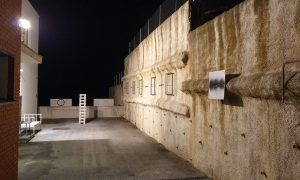 Dvorište noću w VEDRAN RUŽIĆ moguće nemoguće KLANJEC Noć muzja '21 foto B. Pejković